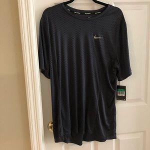 Men's NWT Nike running shirt